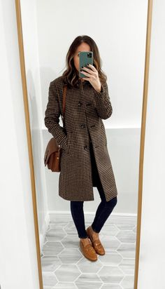 Fitting Room Snapshots (Ann Taylor) ~ Lilly Style - - Houndstooth Coat Cognac Loafers Source by rettadykes Adrette Outfits, Office Outfits, Fashion Outfits, Casual Office, Office Style, Office Wear, Fashionable Outfits, Office Attire, Stylish Clothes