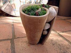 Z00025 - Květník spirála výška 25cm  MH - Cena: 580.00 Kč Ceramic Vase, Ceramic Pottery, Orchid Pot, Little Gardens, Moss Garden, Flower Pots, Flowers, Clay Pots, Pottery Ideas