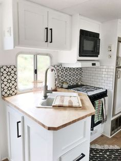 Easy rv travel trailers camper remodel ideas on a budget (37)