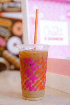Starbucks Drinks, Coffee Drinks, Fun Drinks, Yummy Drinks, Dunkin Iced Coffee, Bubble Milk Tea, Food Goals, Jelly Beans, Starbucks Recipes