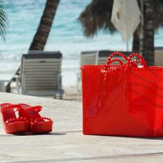 More beach please! #carmensol #carmensolofficial #tote #handbag #baggrab #summer #happy #beach #summertime #summerwear #style #stylish #love #photooftheday #beauty #instagood #outfit #purse #shopping #instafashion #instagood #fashion #beachwear #beachoutfit #jelly #red #luxury #chic
