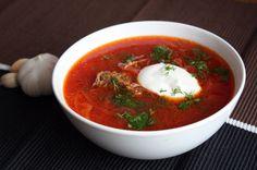 Борщ — одно из самых вкусных, сытных и поистине красивых первых блюд. Ингредиенты: средняя свекла —