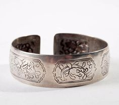 China | Silver bracelet.  Qing Dynasty.  33.7 grs. | 150€ ~ Sold (Feb '14)