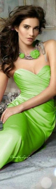 Women's Sexy Fashion Lingerie Online Shoppifcang at Chiquedoll Green Fashion, Colorful Fashion, Rainbow Fashion, Green Palette, Shades Of Yellow, Nice Tops, Beauty Women, Beautiful Dresses, Elegant Dresses