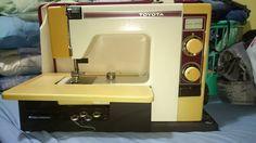 Toyota 4600 sewing machine