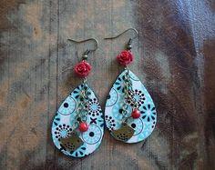 """Boucle d'oreilles """"Festassys"""" turquoise noire et rouge sur métal bronze, collection LaPieM, pour un look boheme, hippie chic, boho, ethnique"""