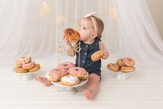 First Birthday Session Donut Smash Cake Smash Yellow Brick Road Photography www.yellowbrickroadphoto.ca