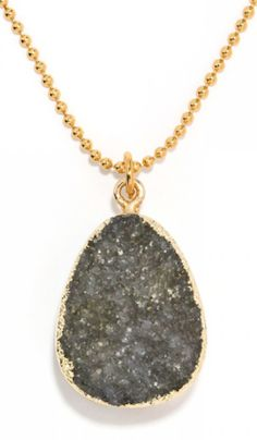 pretty druzy pendant necklace