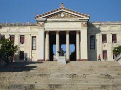 University of Havana - Cuba – Wikipédia, a enciclopédia livre > Universidade de Havana, fundada em 1728.