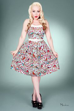 Classic vintage summer dress/Vanity Project by LIMB. NEED THIS!