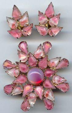 Vintage Pink Rhinestone Pin & Earrings ~