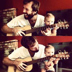 パパ~ ぼくも弾く~♪  i wanna play tooo :)) #daddy #son