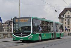 Mercedes Citaro 7018 auf der Linie 34 überquert die Mittlere Rheinbrücke. Die Aufnahme stammt vom 08.03.2016.