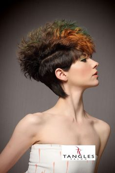70 Most Gorgeous Mohawk Hairstyles of Nowadays Mohawk Hairstyles For Women, Rock Hairstyles, Mohawk Styles, Hair Styles, Natural Hair Mohawk, Female Mohawk, Mo Hair, Runway Hair, Bright Hair Colors