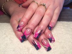 Acrylic nails - between the lines