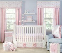 chambre rose avec touche de bleu