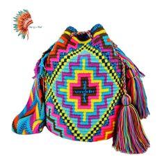 Crotchet Bags, Knitted Bags, Mochila Crochet, Holiday Store, Handmade Purses, Tapestry Crochet, Filet Crochet, Cross Stitch Embroidery, Crochet Projects