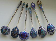 Russian Culture, Russian Art, Silver Spoons, Silver Enamel, Culture Russe, Aluminum Foil Art, Spoon Collection, Ceramic Tableware, Tea Art