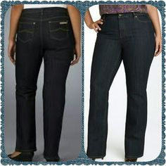 "Michael Kors Jeans Cute and stylish Michael Kors Bootleg jeans; in excellent condition. Perfect for day or evening attire. Inseam 30"". Thank you and Happy Poshing!!!! Michael Kors Jeans Boot Cut"