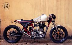 Royal Enfield Cafe Racer by Bull City Customs  #motorcycles #caferacer #motos | caferacerpasion.com