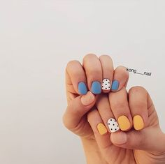 Short nails, yellow mustard and cobalt blue. Short and functional nail designs. - Short nails, yellow mustard and cobalt blue. Short and functional nail designs. Cute Acrylic Nails, Cute Nails, Pretty Nails, Nails Yellow, Blue Nail, Short Gel Nails, Manicure For Short Nails, Short Nails Art, Gel Manicure