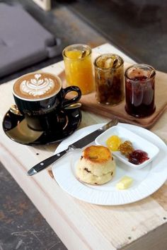 scones - confiture - chocolat chaud  <3 <3 <3