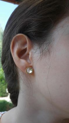 Crystal stud earrings in 3 colors - 19 EUR - international shipping