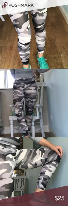 🍂New🍂Camo Leggings Gorgeous Camo leggings in black, gray and white! Use for athleisure or work outs! 🍂Polyester 95% Spandex 5% Good stretch! Fits sizes 2-6 HipFinds Pants Leggings