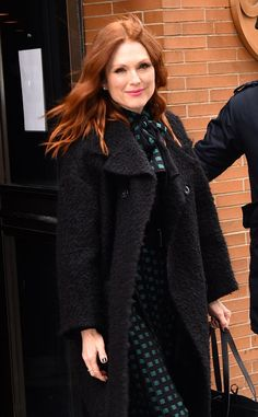 Fresh off her Oscar win, Julianne Moore looks gorgeous leaving The View!