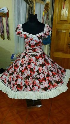 Little Girl Dresses, Girls Dresses, Summer Dresses, Dance Outfits, Dance Dresses, Square Skirt, Clogs Outfit, Fashion Outfits, Womens Fashion
