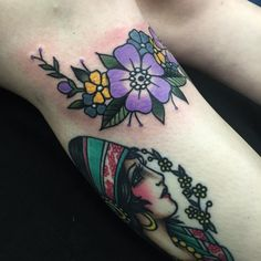 Fresh Flowers that wrap under Hannah's Knee and a healed girl I made last year. Thanks heaps Hannah! Done today @tradition_tattoo_brisbane  jonnyfarq@gmail.com