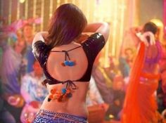 Finally the wait is over and we have the brand new item song to be added in our play list. The most awaited song from the forth coming movie of the tiger, Salman Khan, Fevicol se is finally here. We had seen the very sizzling Malaika Arora Khan in Dabangg where she appeared in the song Munni Badnam. Whereas in Dabanagg 2 Malaika Arora Khan is replaced by the new khan lady, Kareena Kapoor Khan with Fevicol se. Of course, she looks just damn hot! Enjoy the full HD song!