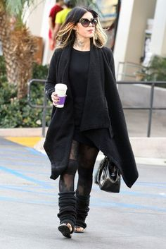Kat Von D Photos Photos - Kardashian hater Kat Von D stopping to get a coffee at the Coffee Bean & Tea Leaf in West Hollywood, California on January 11, 2014. Kat tweeted yesterday 'I really do hate that i know who the Kardashians are.' - Kat Von D Getting A Coffee In West Hollywood