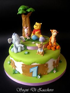Beautiful Winnie the pooh and friends cake Winnie Pooh Torte, Winnie The Pooh Birthday, Winnie The Pooh Friends, Fancy Cakes, Cute Cakes, Friends Cake, Bolo Cake, Baby Birthday Cakes, Disney Cakes
