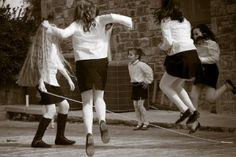 Σχοινάκι Old Games, Games For Kids, New Kids Toys, Big Love, My Passion, Historical Photos, Old Photos, Childhood Memories, Greece