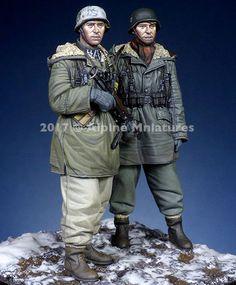 1/35 Resin Figure Model Kit WWII German east - line ss 2 Figures WW2 UNPAINTED #Unbranded
