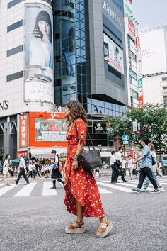 Tokyo diary collage vintage travel outfits in 2019 japan out Japan Summer Outfit, Japan Outfit, Travel Outfit Summer, Taipei Travel, Tokyo Travel, Tokyo Trip, Vacation Outfits, Travel Outfits, Collage Vintage
