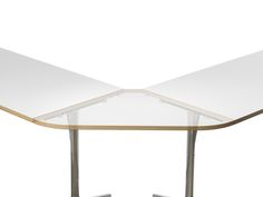 mAx conference table | range 460 / 465 | Design by Andreas Störiko | Flexible floding table by #Wilkhahn