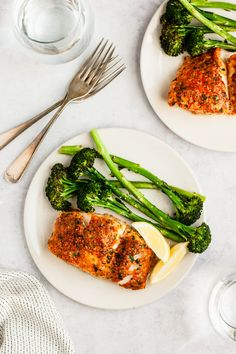This Parmesan Crusted Cod recipe is one of the easiest fish meals to prepare for a quick, tasty weeknight dinner. You'll have a super healthy meal ready to serve in less than 30 minutes, so grab the recipe and enjoy! Cod Fish Recipes, Baked Cod Recipes, Seafood Recipes, Cooking Recipes, Healthy Recipes, Free Recipes, Mince Recipes, Fish Dinner, Seafood Dinner
