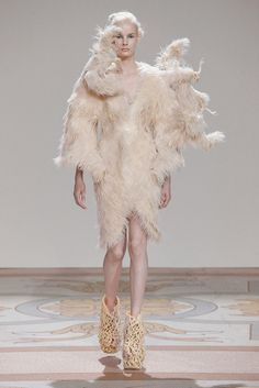how I love this girl - Iris Van Herpen 2013