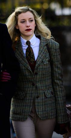 Classy, Blazer, Tie, How To Wear, Jackets, Women, Fashion, Neck Ties, Down Jackets
