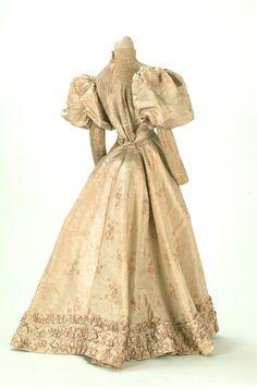 1895-1900  Just Beautiful