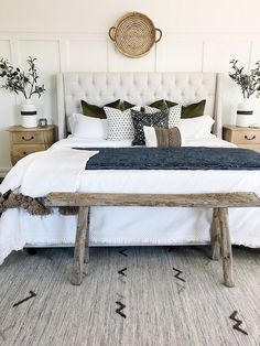 ✔ 20 modern farmhouse bedroom decor ideas makes you dream beautiful in 2019 00009 Master Bedroom Design, Home Decor Bedroom, Bedroom Furniture, Master Bedrooms, Bedroom Designs, Bench For Bedroom, Chic Bedroom Ideas, Navy Master Bedroom, Bedroom Ideas Master On A Budget