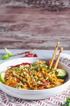 Throw away those takeout menus, this Easy Spicy Chicken Pad Thai will be your new favorite dinner that's quicker than delivery! Top Recipes, Spicy Recipes, Asian Recipes, Whole Food Recipes, Chicken Recipes, Cooking Recipes, Healthy Recipes, Ethnic Recipes, Healthy Breakfasts