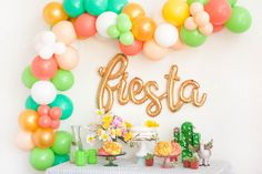 to say ONE instead of fiesta Happy Balloons, White Balloons, Confetti Balloons, Latex Balloons, Balloon Arch Diy, Cactus Balloon, Balloon Garland, Fiesta Party Decorations, Balloon Decorations