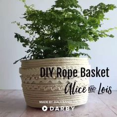 Darby Smart is the most popular video community for beauty, food, DIY and slime enthusiasts - join today! Rope Crafts, Diy Home Crafts, Diy Crafts Videos, Crafts To Do, Handmade Crafts, Burlap Crafts, Recycled Crafts, Art N Craft, Diy Art