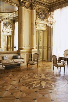 Chaumet private salon, Place Vendome, Paris -  12, place Vendôme: the Chaumet grand salon, decorated by the famous architect Bélanger for the Minister of the Navy of King Louis XVI in 1777. Frédéric Chopin composed his last mazurka here and spent the last months of his life here. Now used as a showroom for private clients.