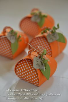 FREE TUTORIAL Curvy Keepsake Pumpkin Box by Mikaela Titheridge Independent Stampin Up Demonstrator Spaldwick Cambridgeshire UK Step by step photo tutorial and Kit offer. Fall Crafts, Diy Crafts, Thanksgiving Cards, Christmas Cards, Paper Pumpkin, Stamping Up, Keepsake Boxes, Craft Fairs, Halloween Crafts