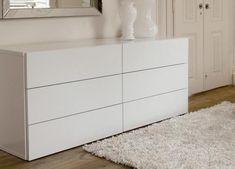 As cômodas são móveis com gavetas utilizadas desde sempre na decoração do quarto, elas apresentavam um design convencional e eram feitas em madeira. No entanto, a evolução no design de móveis ...