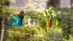 Giardini pensili con fioriere verticali